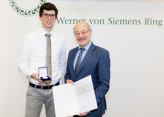 Werner-von-Siemens-Ring foundation honours doctoral student Andreas Dörr
